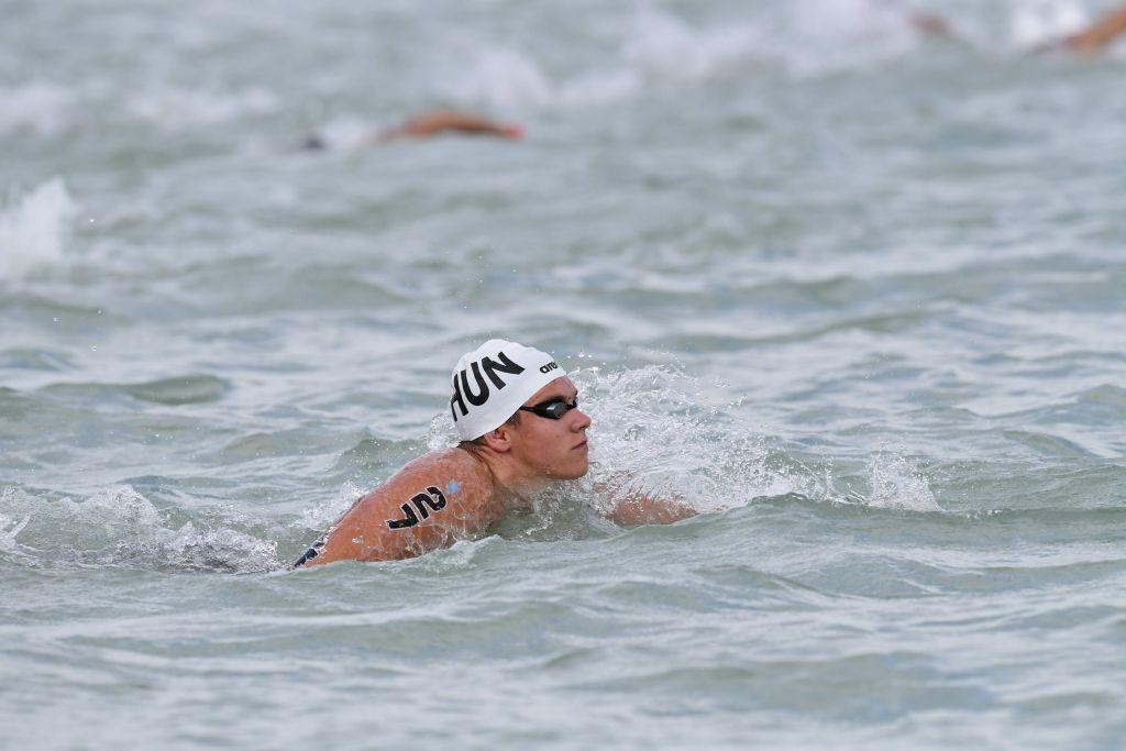 Balatonfüred, 2017. július 15. Rasovszky Kristóf a 17. vizes világbajnokság férfi, 5 kilométeres nyíltvízi úszás versenyszámának döntõjében Balatonfürednél 2017. július 15-én. MTI Fotó: Szigetváry Zsolt